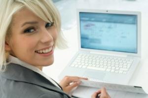 femme qui vend en ligne
